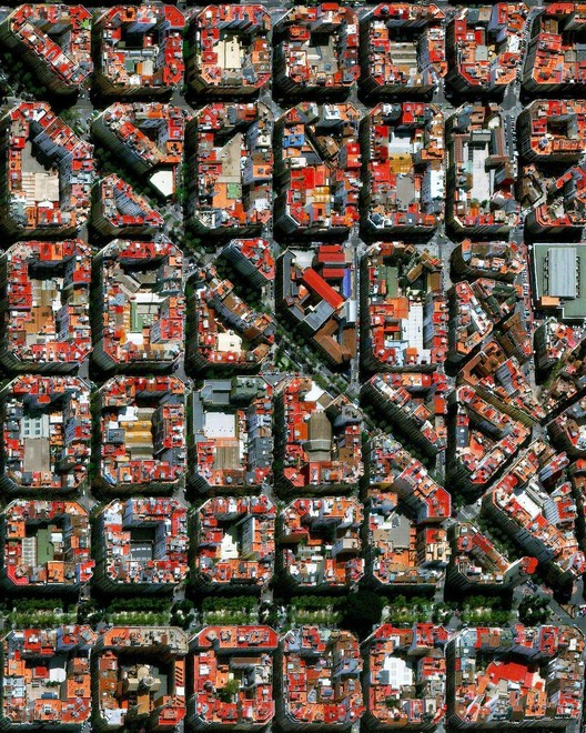 Valencia, Spain. Created by @benjaminrgrant, source imagery: @maxartechnologies
