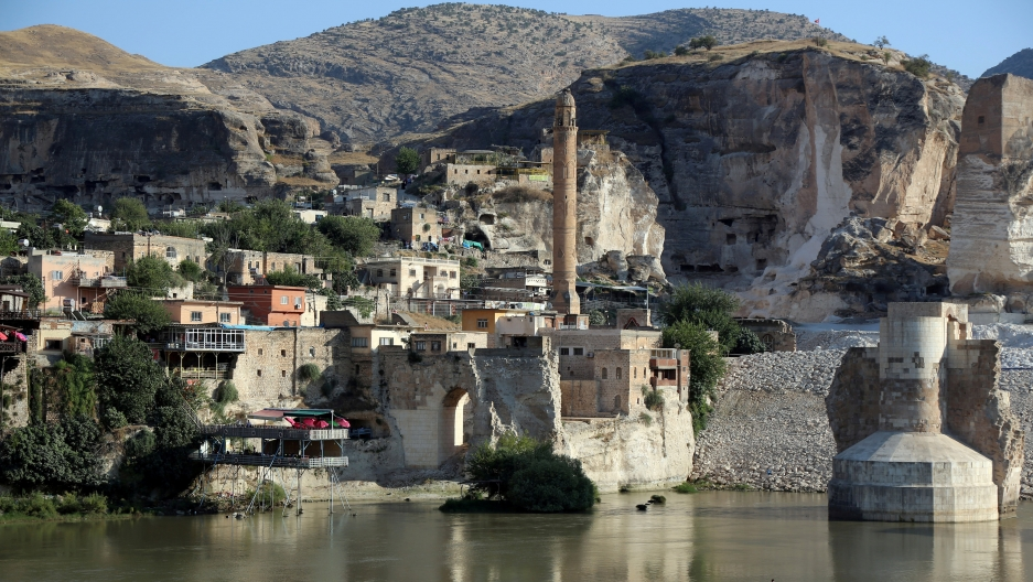 a village in turkey that is about to be flooded